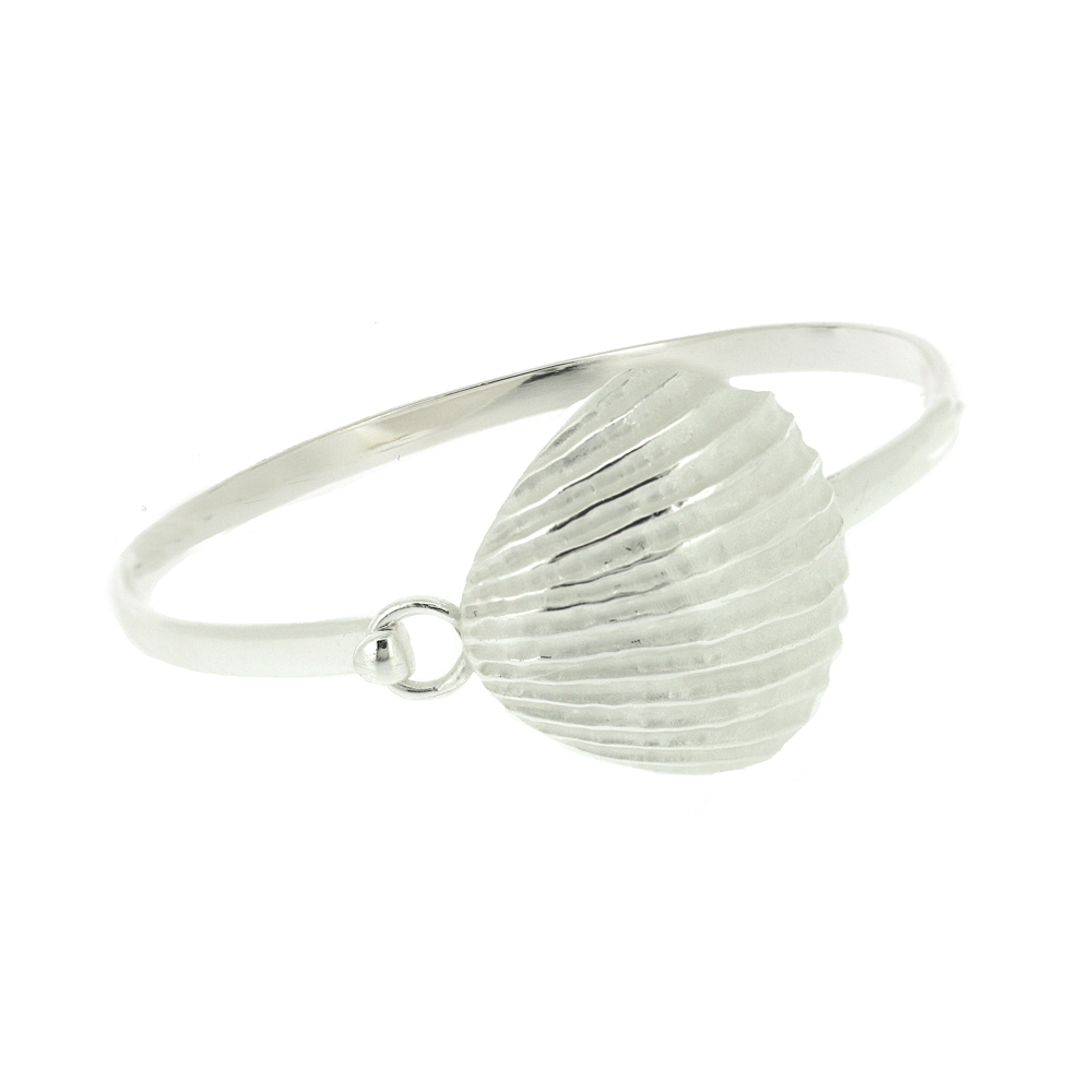 Kitten Clam Shell Bangle