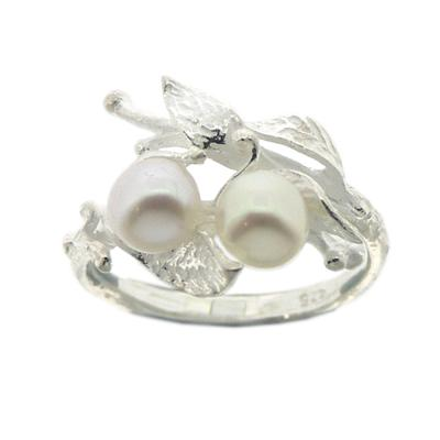 Kitten Secret Garden with Pearl Ring