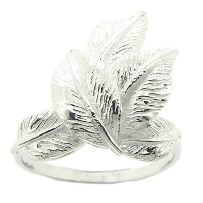 Kitten Verdant Leaves Ring