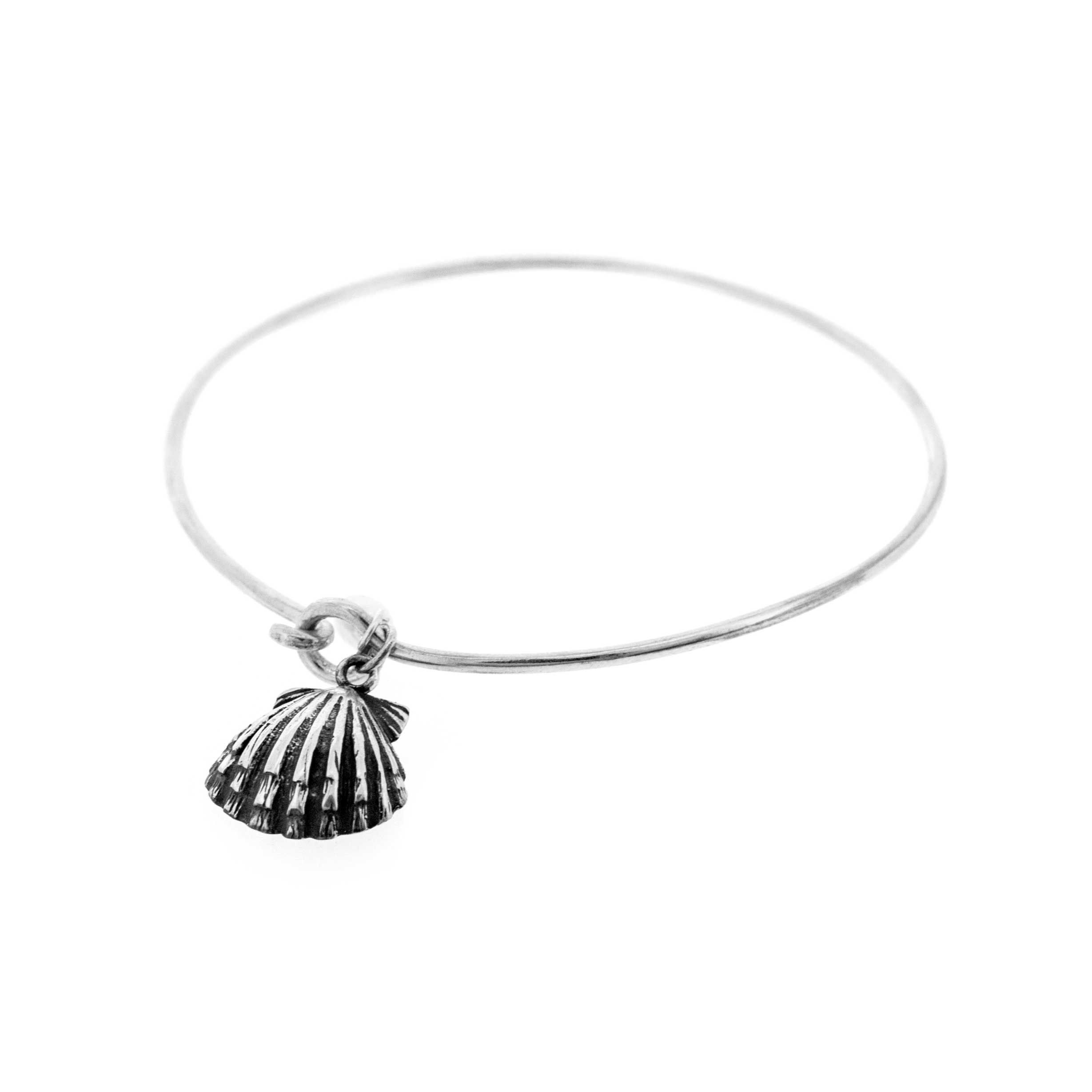 Simply Silver Bangle with Clam Shell