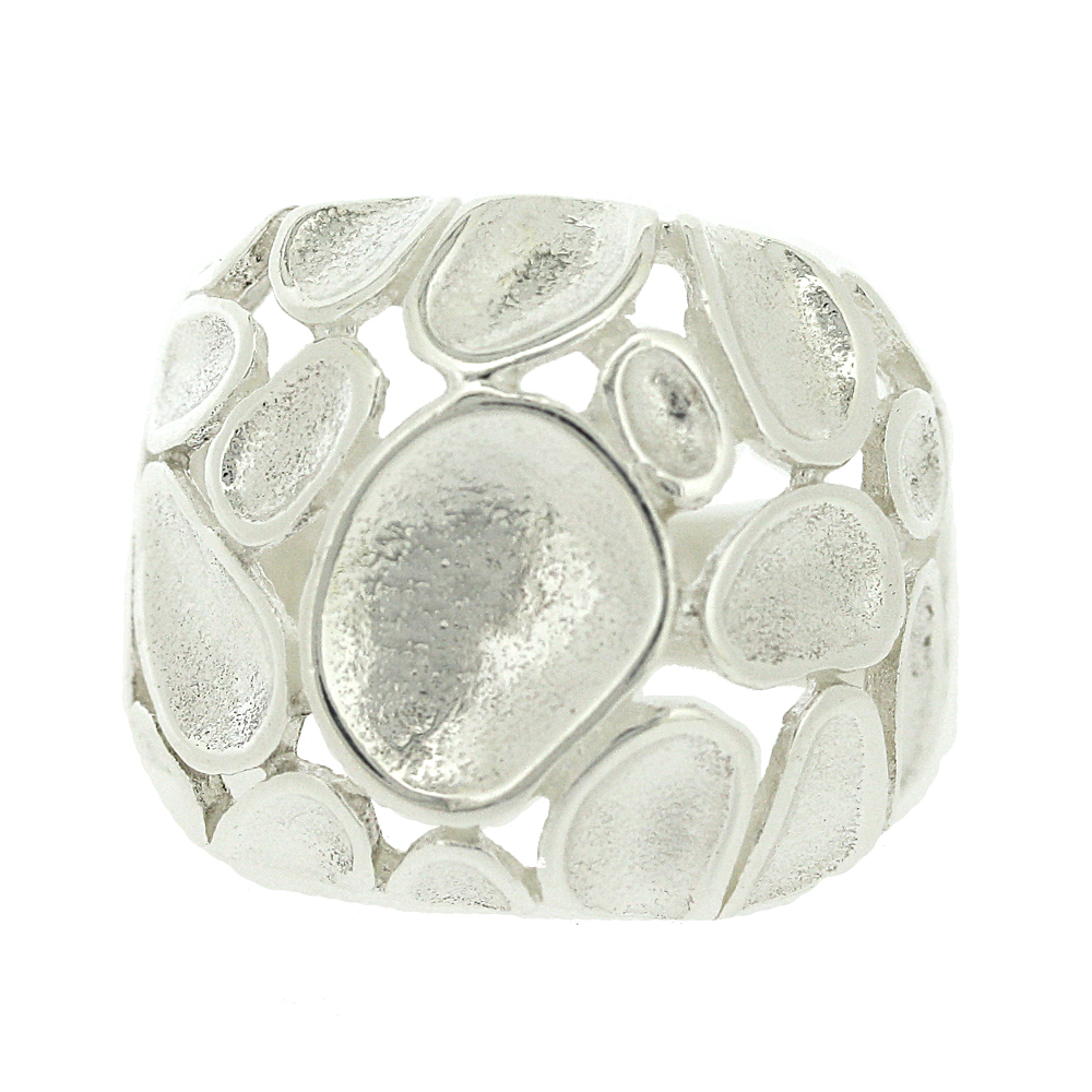 Concave Pebble Ring